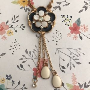 Gold double necklace with flowers
